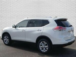 2015 Nissan Rogue SV Heated seats/Back-up Cam/Alloy wheels