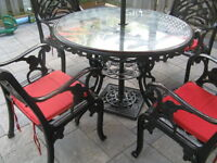 BEAUTIFUL 7 PIECE CAST IRON PATIO FURNITURE SET $750