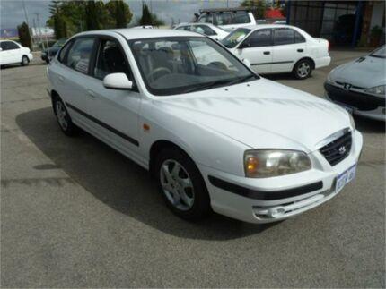 2005 Hyundai Elantra White Automatic Hatchback