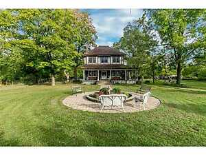www.CentralOntarioWaterfronts.com  -  REDUCED: $899,000
