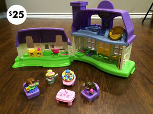 Doll House | Castle | Magenetic Dolls | Ride on Racer