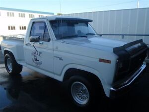 1981 Ford F-100 Camionnette