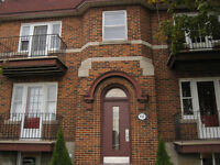 Large sunny 4 1/2 across from the park in Lachine, great price!
