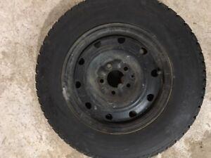 4 pneu d hiver Hankook 205/70R15/96s, avec rim