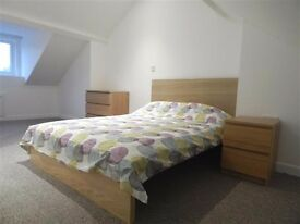 Beautiful *5 Star Room Available* - Central Salisbury