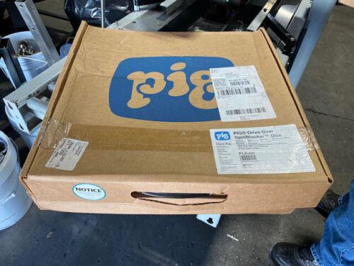 PIG Drive-Over SpillBlocker Containment Dike PLR350, 10 Feet Long