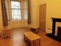Exceptionally spacious, bright and furnished one bedroom flat in the centre of bruntsfield