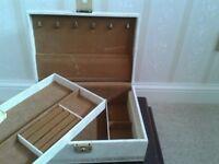 Jewellery Box Cream 11in x 8in x 4in