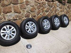 5 X 285/65R17 116H DUNLOP GRANDTREK Tyres & Rims - mint condition Attwood Hume Area Preview