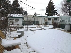 Lovely Family Home in Camrose Edmonton Edmonton Area image 3