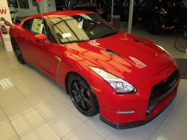 Imagen 1 de Nissan GT-R  red