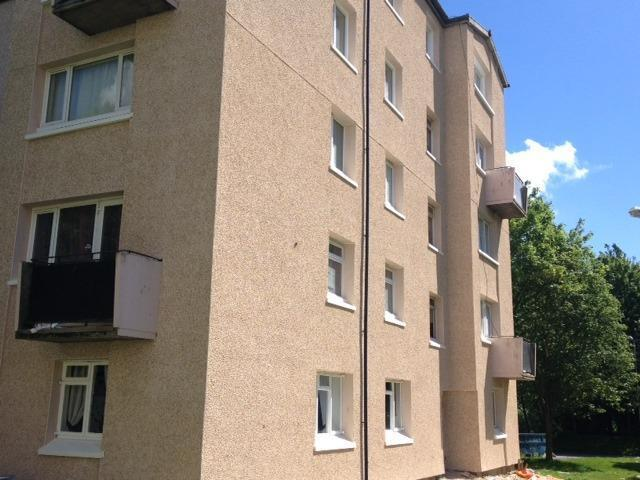 One bedroom flat situated between Motherwell & Wishaw Available Now