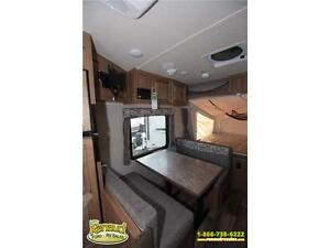 NEW 2017 Forest River Shamrock 19 Hybrid Travel Trailer Windsor Region Ontario image 8
