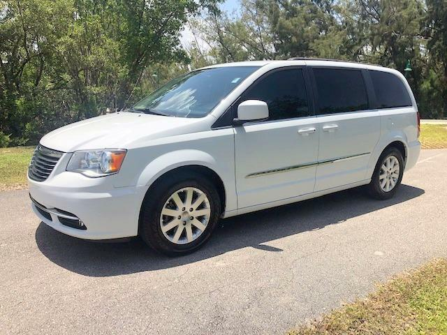 2016 Chrysler Town & Country FREE SHIPPING CARFAX CERTIFIED NO DEALER FEES