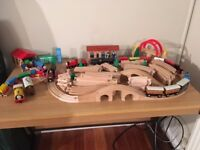 Wooden Train Track & Thomas the Tank & Friends Engines
