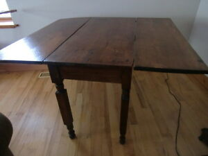 MID VICTORIAN PEMBROKE STYLE TABLE Kingston Kingston Area image 1