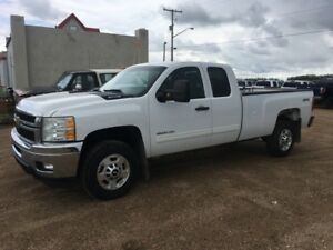 13 Chev 3500 HD  8 Foot Long Box Warranty Financing Certified