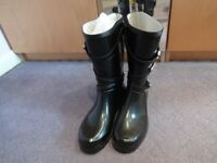 Ladies wellington boots, size 6/39