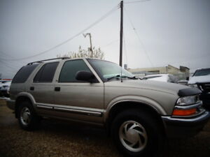2000 CHEVROLET BLAZER 4X4-EXCELLENT SHAPE IN AND OUT
