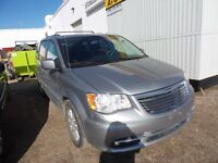 2014 Chrysler Town & Country Touring power sliding doors, Stow &