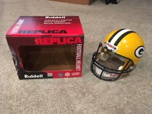 Riddell Replica Green Bay Packers Football Helment