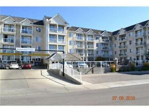 Rocky Ridge NW | CLOSE TO LRT + SPACIOUS UNIT