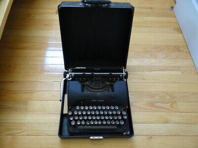 Very Fine Vintage Smith Corona Silent Black Typewriter With Case