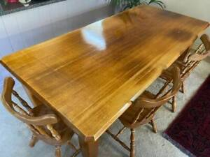 Varnished 6 Seater Dining Table