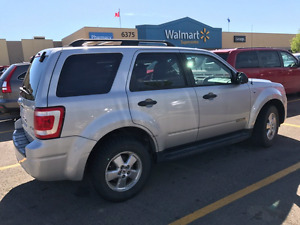 Lowered price,2008 Ford Escape  XLT-4×4 drive