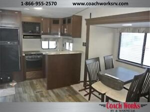 Lite weight couples 5th wheel that is fully loaded! Call tristan Edmonton Edmonton Area image 4