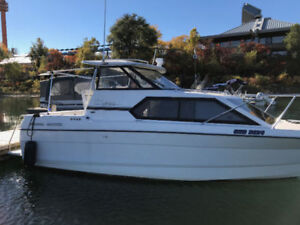 Bayliner Ciera 2455 with new engine less than 200hrs