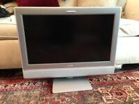 Toshiba 27WL56 flat screen TV. Perfect working order.