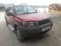 breaking red freelander lwb 2.0 turbo diesel direct injection 4x4 parts spares