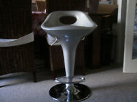 Bar / Kitchen Stools in Silver and Chrome