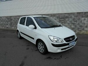 2009 Hyundai Getz TB MY09 S Noble White 5 Speed Manual Hatchback Devonport Devonport Area Preview