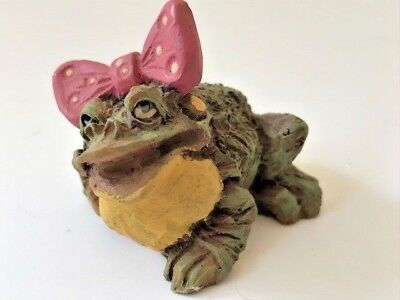 """Miniature figurine """"Frumps"""" the frog by D & D Studios only measures 1 3/4"""" high!"""