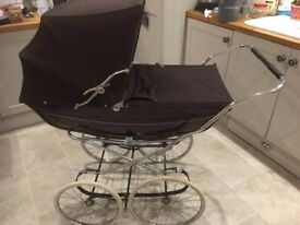 VINTAGE COACH BUILT MARMET SILVER CROSS PRAM WITH MATTRESS BABY VINTAGE MARKET OR SHOP PROP