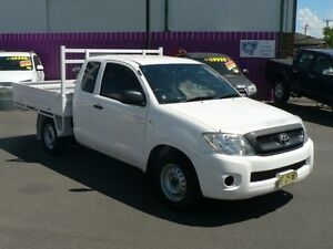 2010 Toyota Hilux GGN15R 09 Upgrade SR White 5 Speed Automatic Extracab Dubbo Dubbo Area Preview