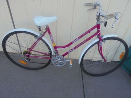 Vintage Ladies Stepthrough Bike - Speedwell ,