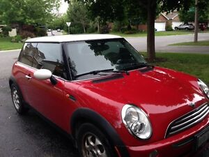2005 MINI Mini Cooper Base Coupe (2 door)