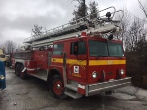 Firetruck - Fully loaded, fully equiped - running
