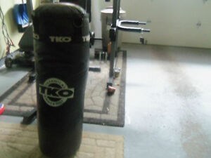 Heavy bag / boxing bag