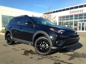 2018 Toyota Rav4 XLE with Trail Package 4dr AWD Backup Cam, Heat