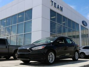 2017 Ford Focus 200A, SE, SYNC, HEATED SEATS/STEERING WHL, REAR
