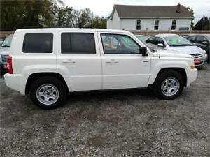 2010 Jeep Patriot North-AWD-Low Kms 143000-1 Year Warranty-Cert.