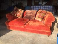 Free to a good home - 2/3 seater settee