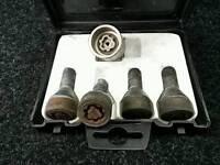 Fiat locking wheel nuts