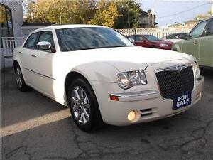 2009 CHRYSLER 300 LIMITED  * POWER GLASS SUNROOF * LEATHER *