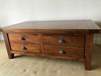 Solid wood coffee table with 2 deep drawers