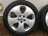 Vectra C Gsi alloys with excellent tyres.